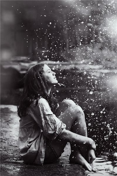 Pretty Girls Images In Rain (8)