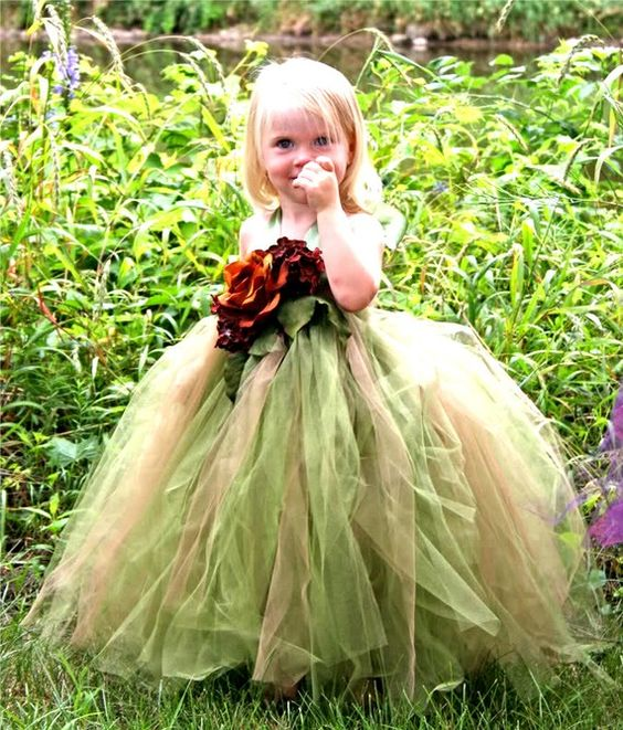30+ Cute And Beautiful Flower Dress Baby Photos (26)