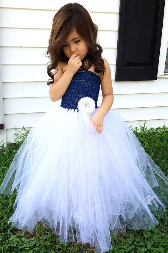 30+ Cute And Beautiful Flower Dress Baby Photos (5)