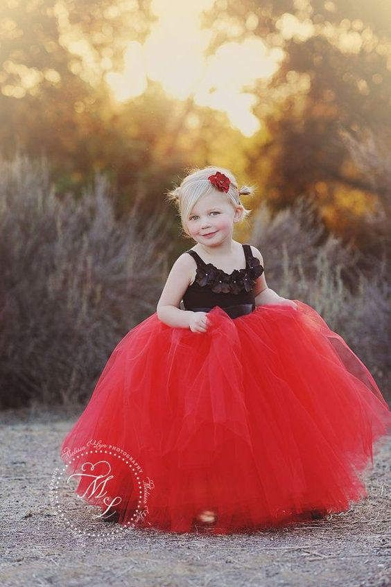 30+ Cute And Beautiful Flower Dress Baby Photos