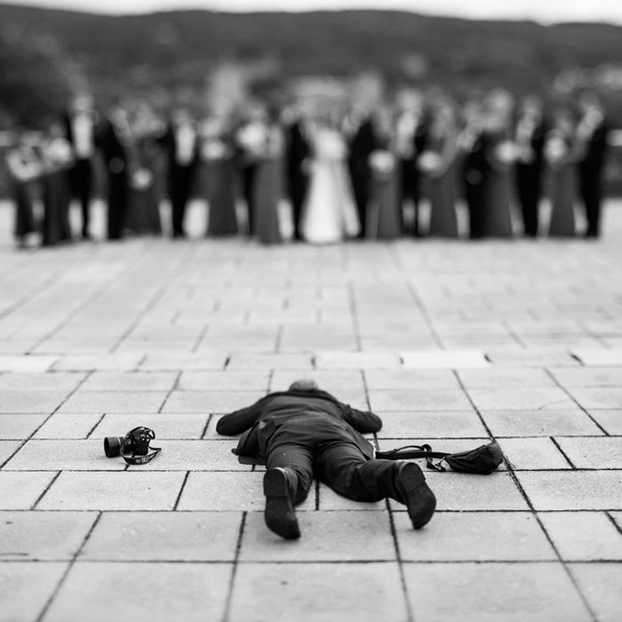 Amazing Photographs That Prove Wedding Photographer Are Crazy (9)