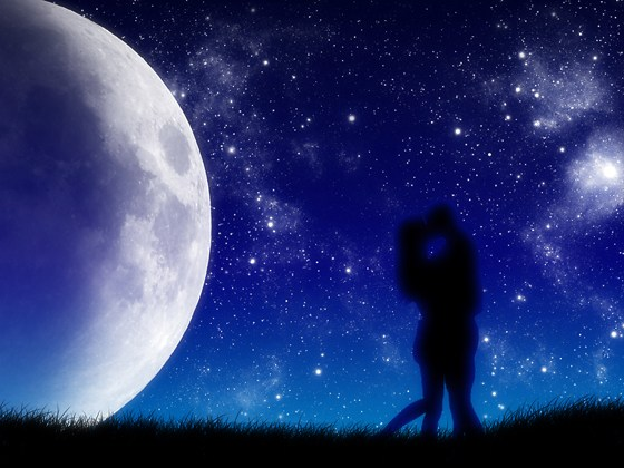 Beautiful Romantic Moonlight Wallpapers (4)