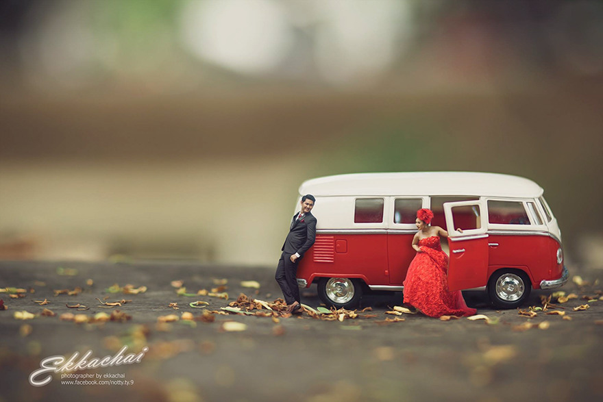 Clever Wedding Photographer Turns Couples Into Miniature People (23)