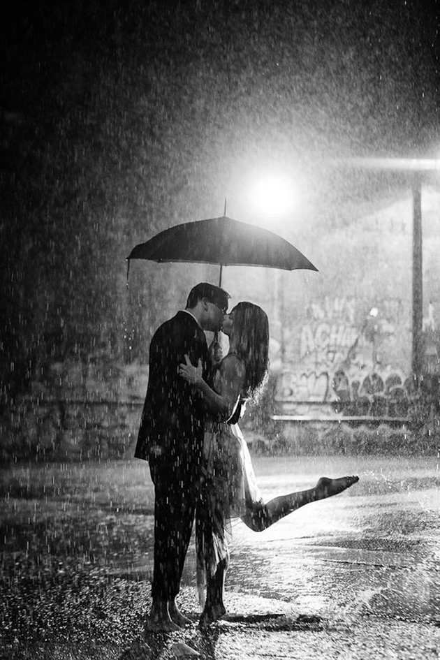 Cute Romantic Couples Black And White Photography In Rain (17)