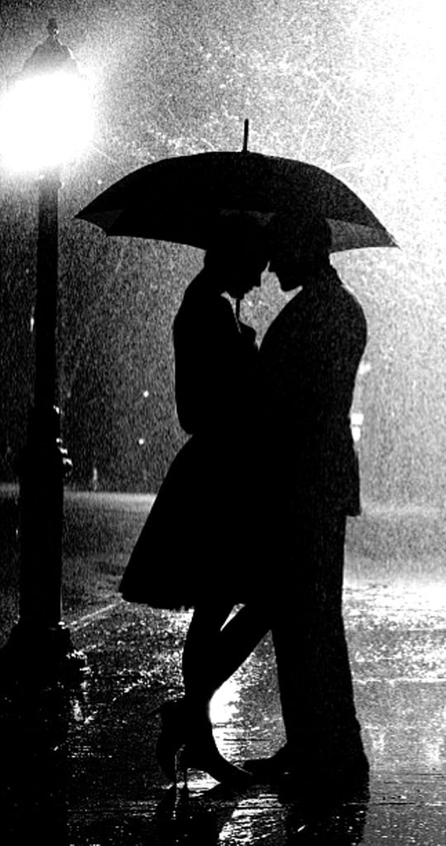 Cute romantic couples black and white photography in rain 2
