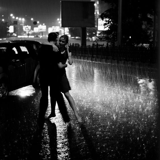 Cute Romantic Couples Black And White Photography In Rain (6)