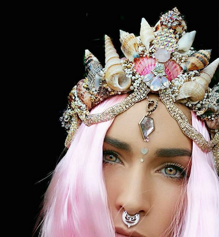 Mermaid Crowns With Real Seashells Photos (14)