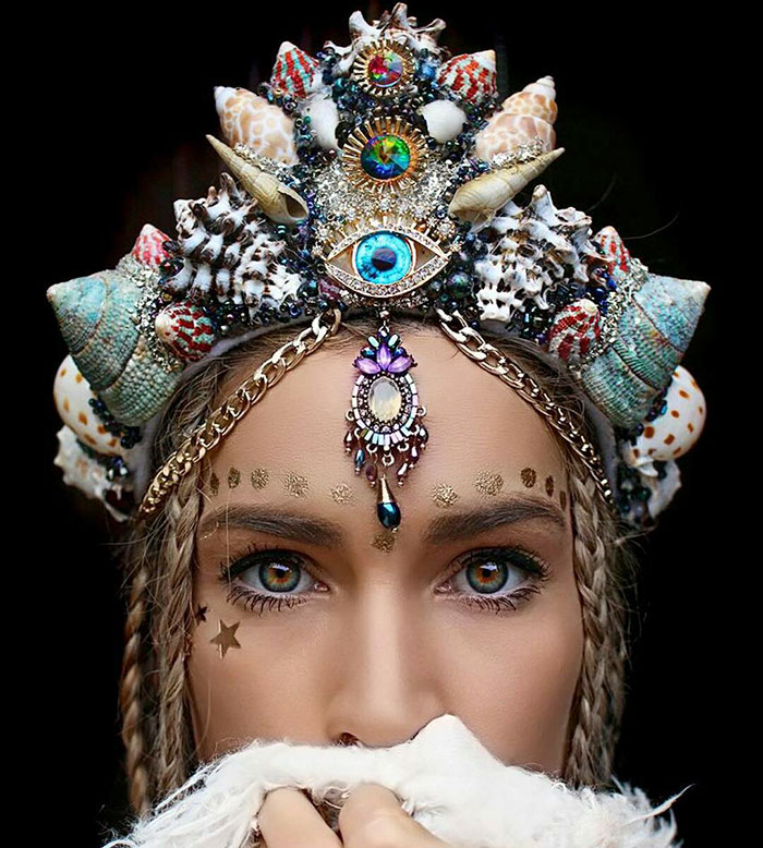 Mermaid Crowns With Real Seashells Photos (8)