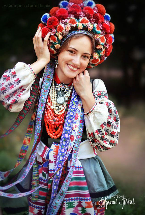 Modern Women Wearing Traditional Crowns Photography (1)