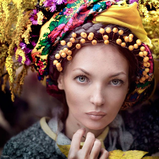 Modern Women Wearing Traditional Crowns Photography (11)