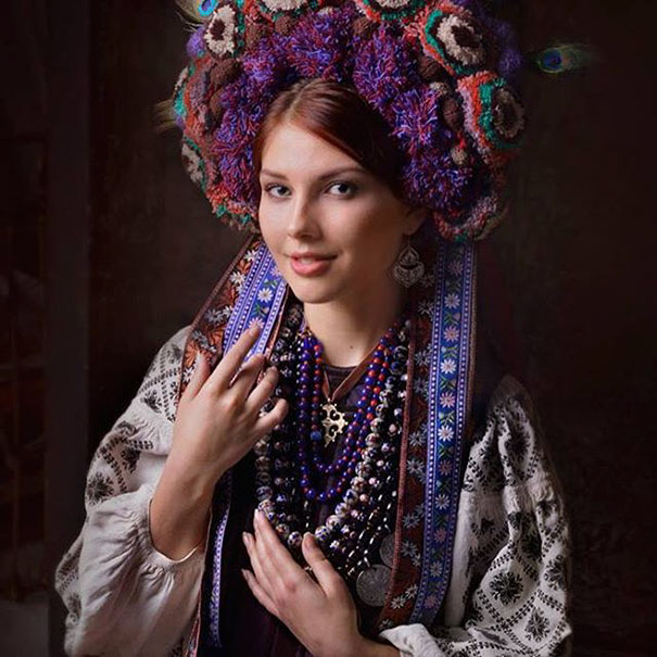 Modern Women Wearing Traditional Crowns Photography (12)