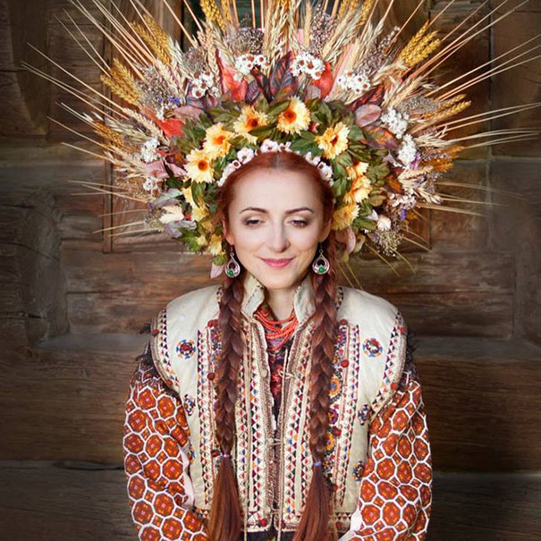 Modern Women Wearing Traditional Crowns Photography (15)