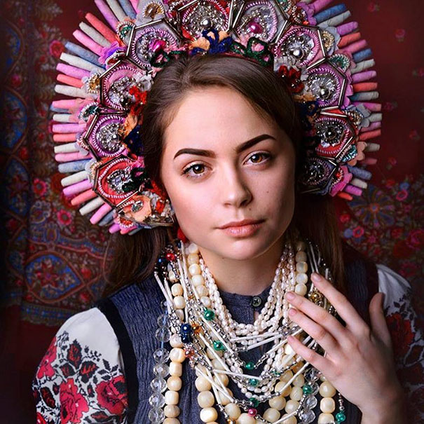 Modern Women Wearing Traditional Crowns Photography (18)