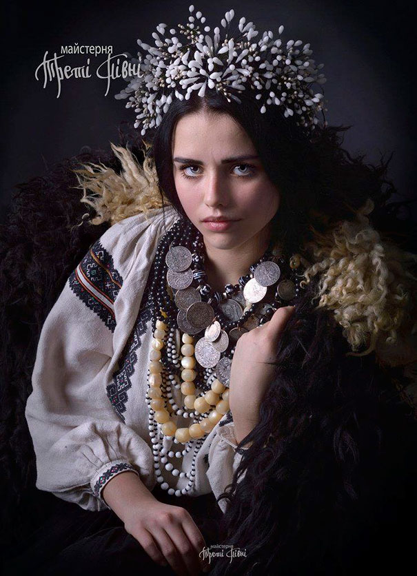 Modern Women Wearing Traditional Crowns Photography (22)