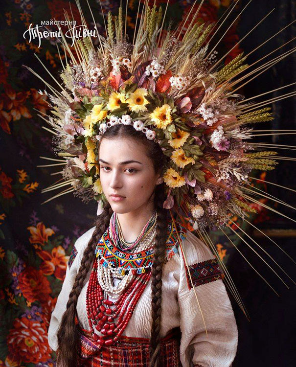 Modern Women Wearing Traditional Crowns Photography (25)