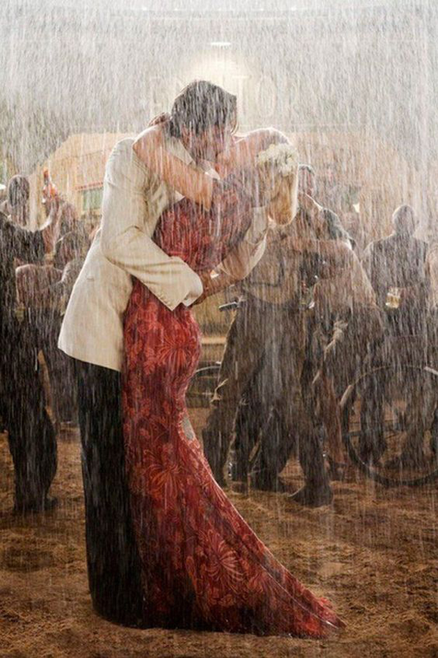 Romantic Couples Photography In Rain (18)