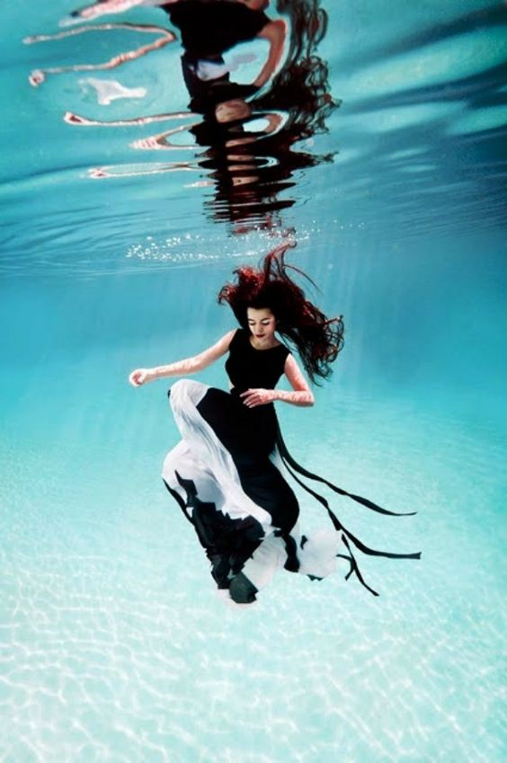 beautiful-underwater-fashion-photography-2