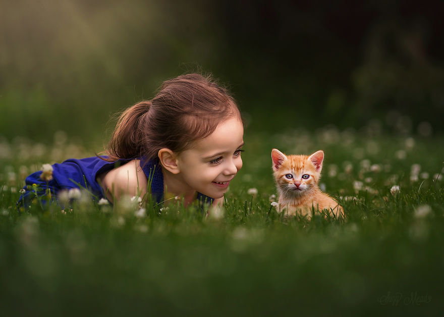 cute-photographs-that-show-special-bond-between-daughter-and-animals-11