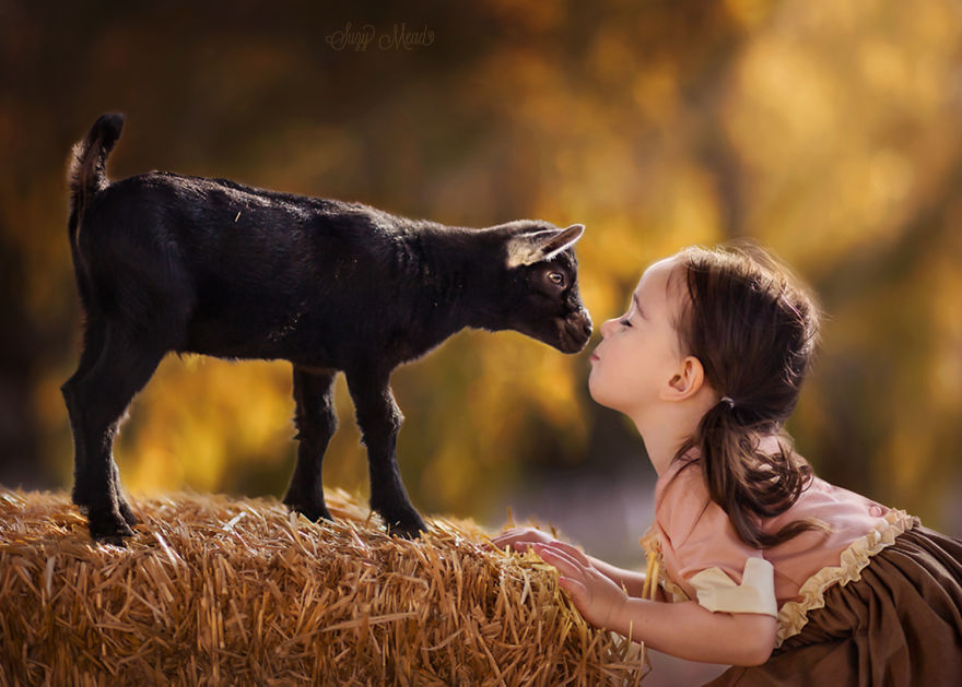cute-photographs-that-show-special-bond-between-daughter-and-animals-3