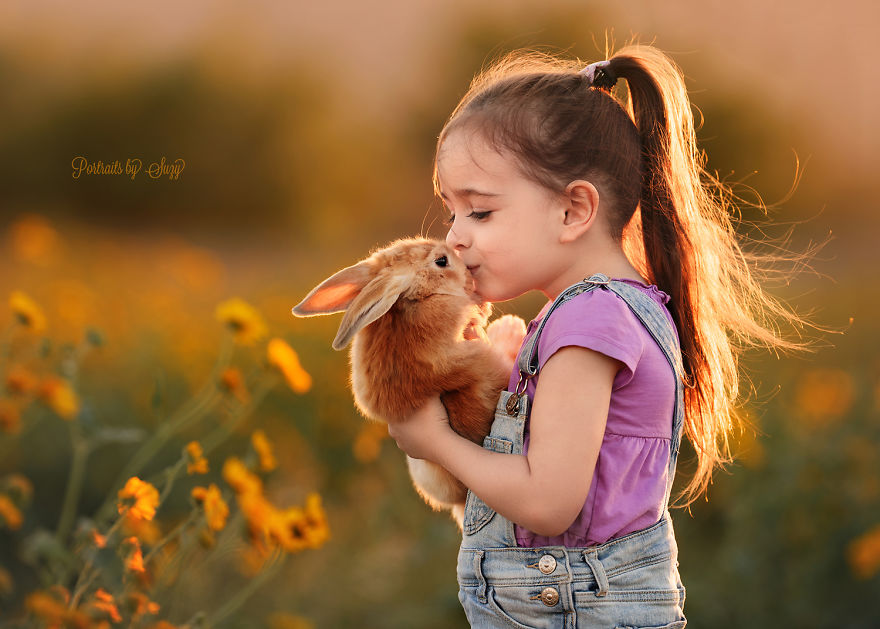cute-photographs-that-show-special-bond-between-daughter-and-animals-7