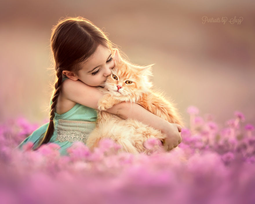 cute-photographs-that-show-special-bond-between-daughter-and-animals-9