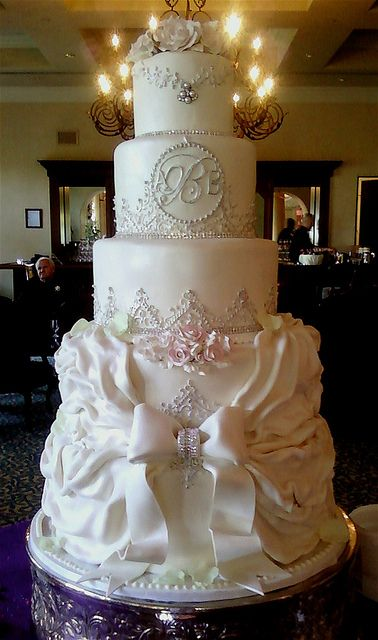 romantic-wedding-cake-images-17