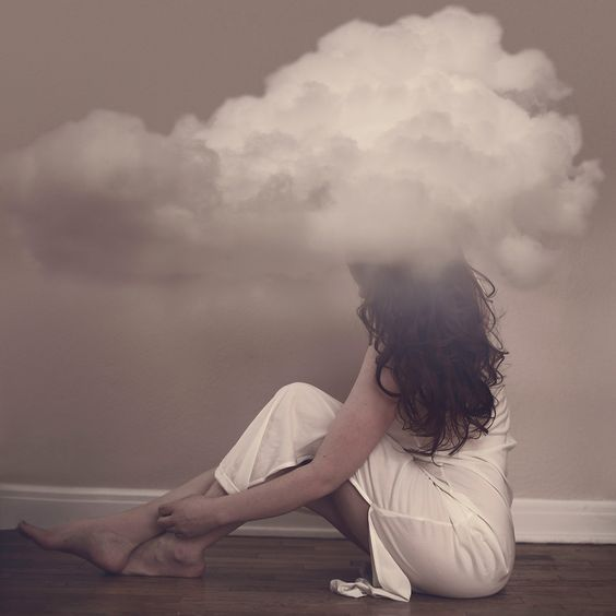 artists-surreal-photo-series-captures-her-struggle-with-insomnia-2