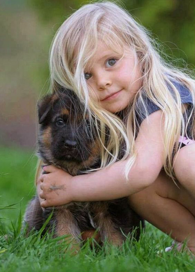 relationship-between-cute-baby-and-pet-24