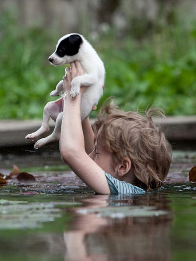 relationship-between-cute-baby-and-pet-26