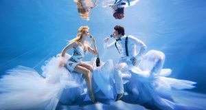 stylish-and-romantic-underwater-photography-by-glory-grebenkin-3