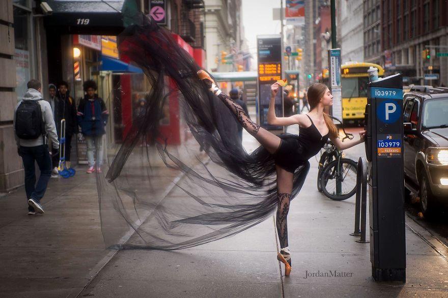Дети Легко Совершать Необычные Танцевальные Движения (16)