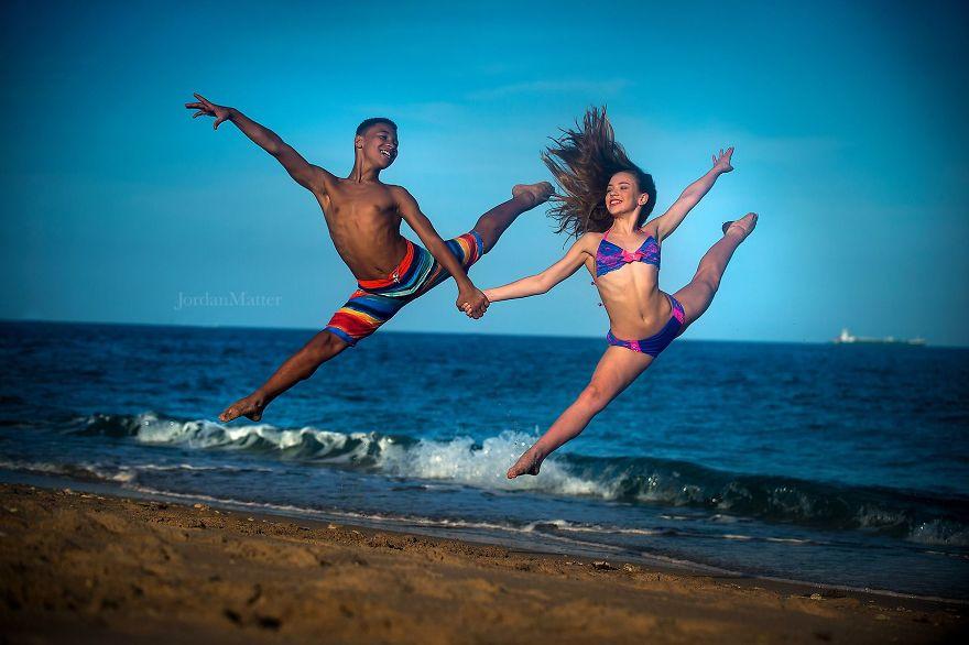Дети Легко Совершать Необычные Танцевальные Движения (4)