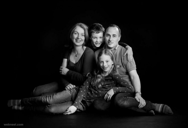 Beautiful Family Outdoor Photography Poses (15)