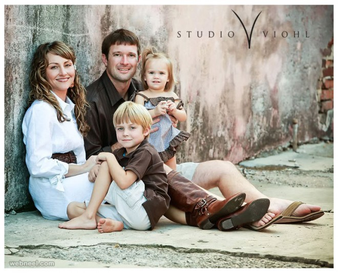 Beautiful Family Outdoor Photography Poses (3)