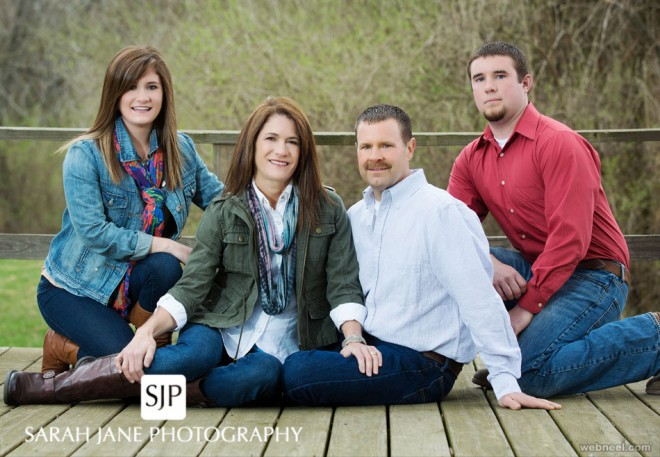 Beautiful Family Outdoor Photography Poses (7)
