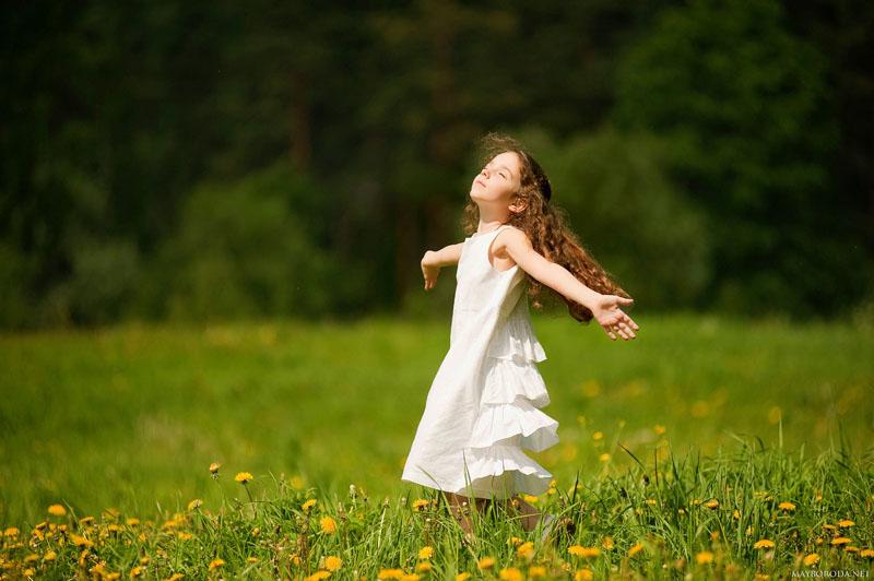 Childrens happiness by Alina Mayboroda