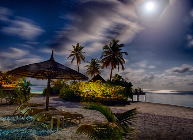 Moon-lit-night-in-the-Maldives-by-Ashmieke