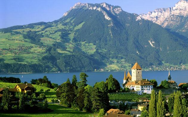 Spiez-Castle-Lake-Thun-Switzerland