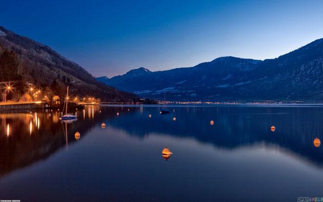 night_falls_over_lake_zug_switzerland