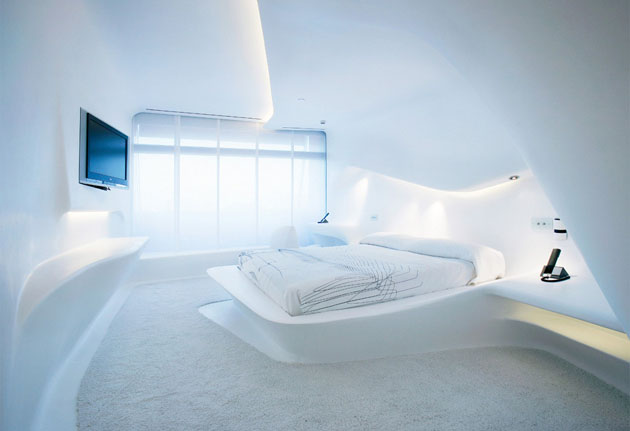 futuristic-hotel-room-in-madrid
