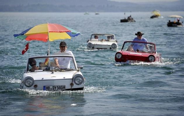carboat-in-Switzerland
