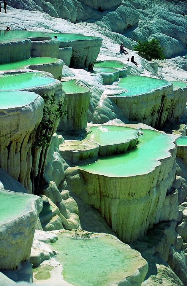 natural-rok-pool-in-Pamukke-Turkey