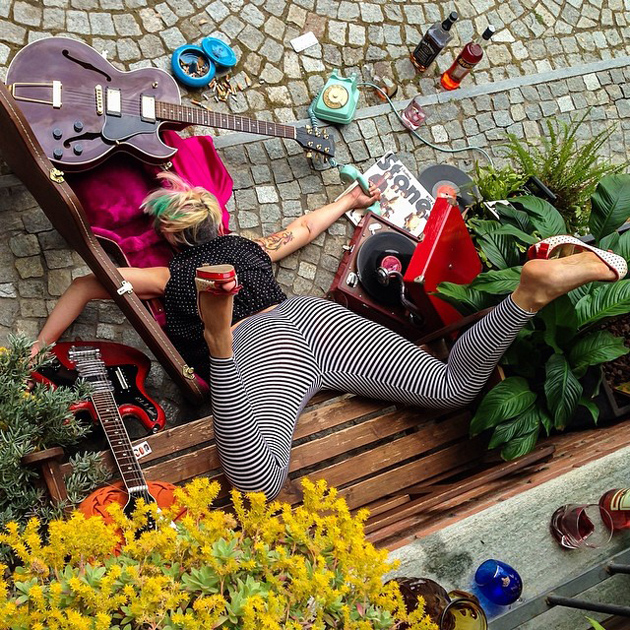 Hilarious Photo Series - Funny Photos of People Posing As If They Have Just Fallen Down (7)