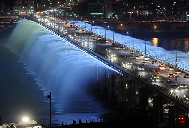 The Banpo Bridge, Seoul, South Korea