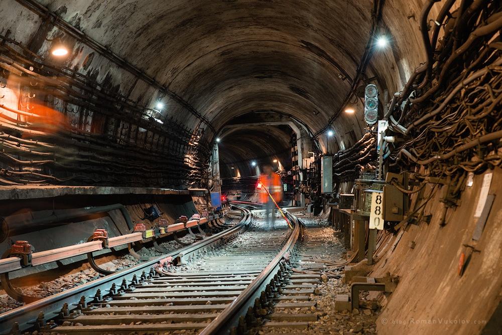 Mysterious tunnel by Roman Vukolov on 500px