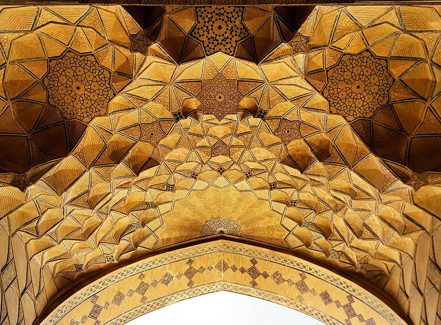 mesmerizing mosque ceilings in iran (14)