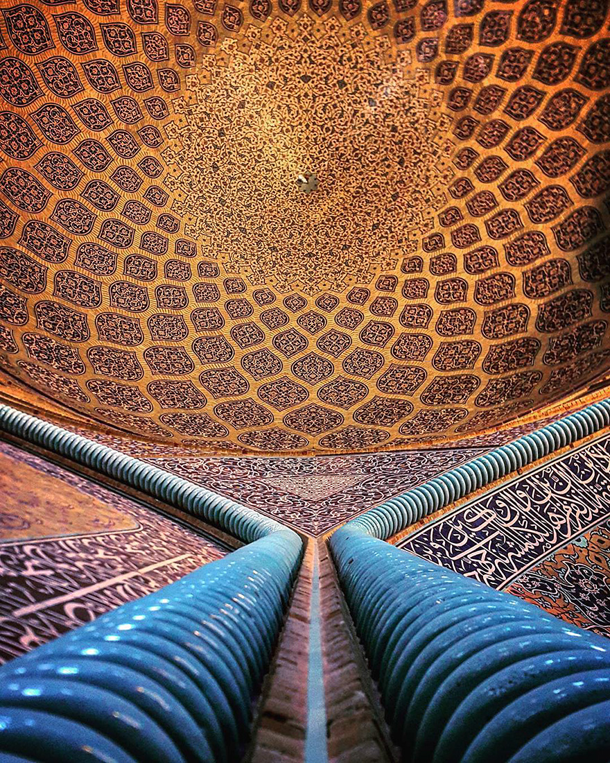 mesmerizing mosque ceilings in iran (17)