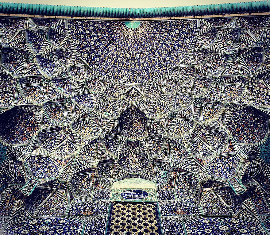 mesmerizing mosque ceilings in iran (2)