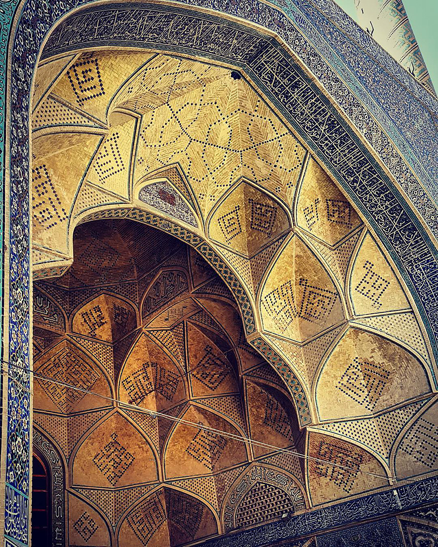 mesmerizing mosque ceilings in iran (8)