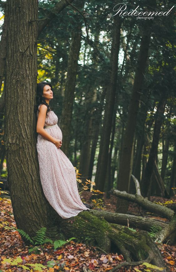 Beautiful Outdoor Maternity Photos (7)